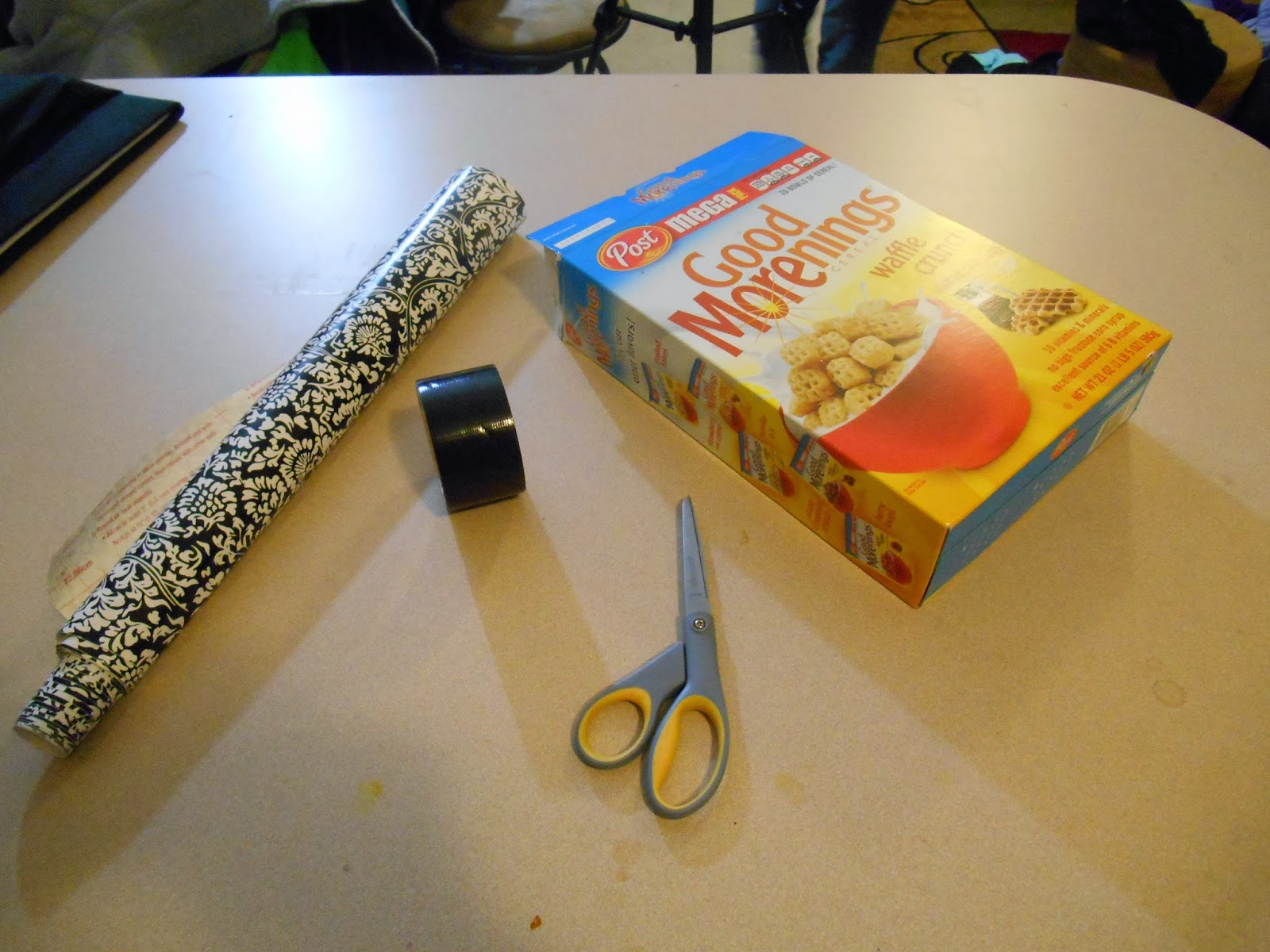 Kitchen Diorama Made Of Cereal Box: DIY Cereal Box Kitchen Organizer