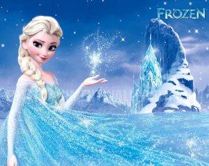 disney_frozen___elsa_wallpaper_by_tatianareynacortez-d6x2wb6